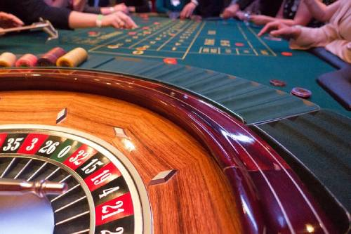 roulette table gameplay