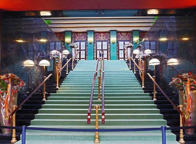 casino-stairs